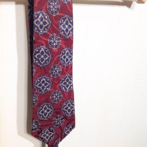 Limited tradition men's silk tie